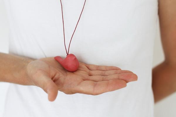 najs-design-porcelain-bird-necklace-tereza-severynova-12