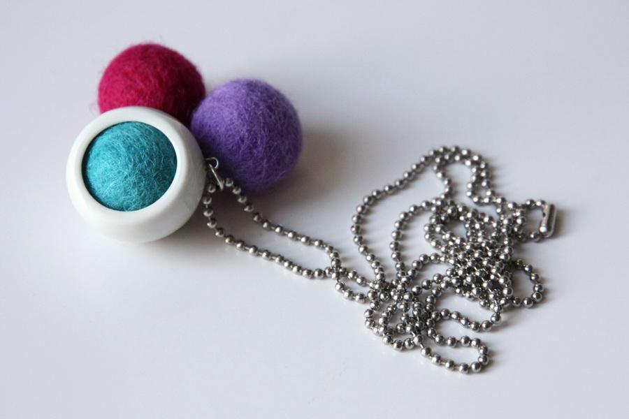 najs-design-porcelain-kulicka-ball-felt-tereza-severynova-01