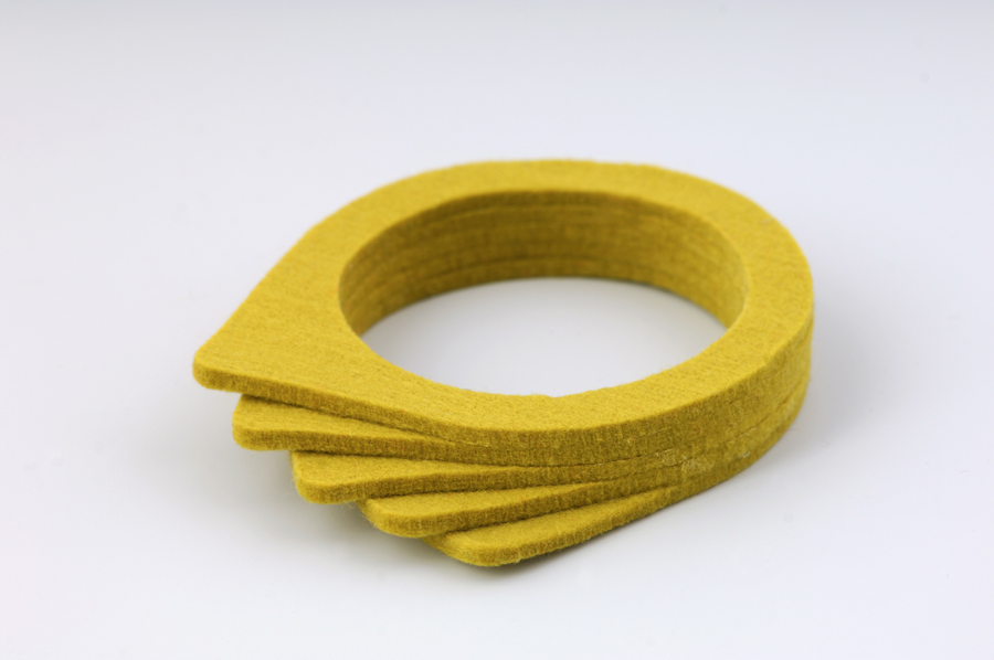 najs-felt-bracelet-structure-tereza-severynova-07
