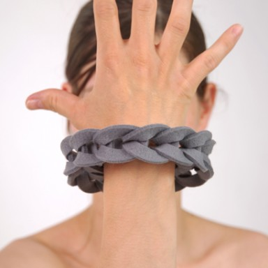 najs-felt-bracelet-structure-tereza-severynova-11