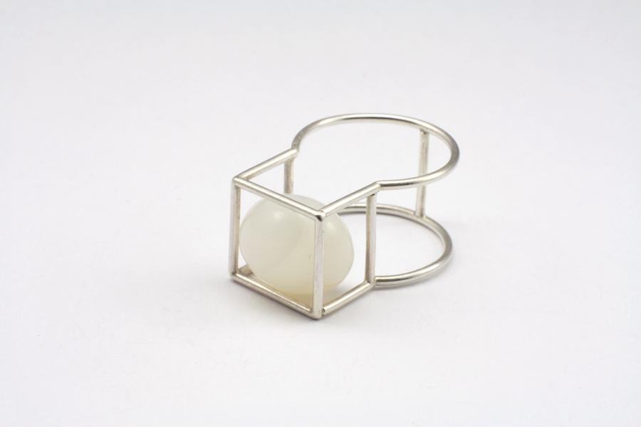 najs-gabion-silver-stone-ring-tereza-severynova-03
