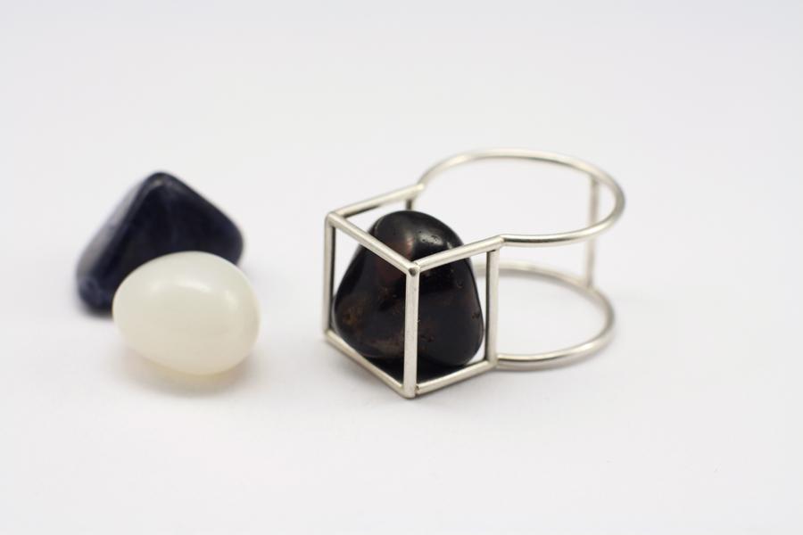 najs-gabion-silver-stone-ring-tereza-severynova-04