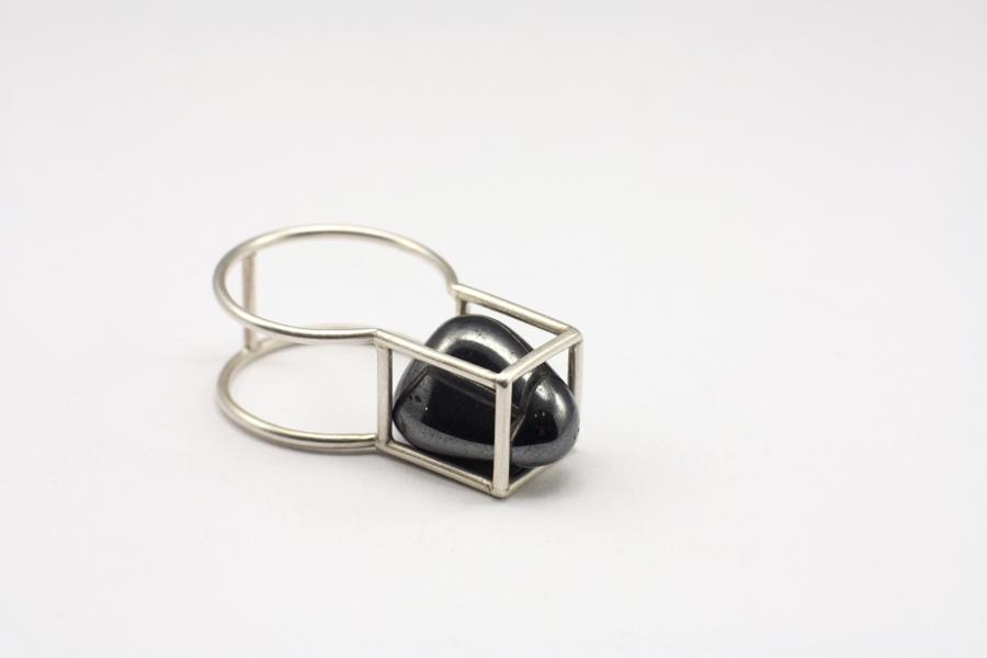 najs-gabion-silver-stone-ring-tereza-severynova-05
