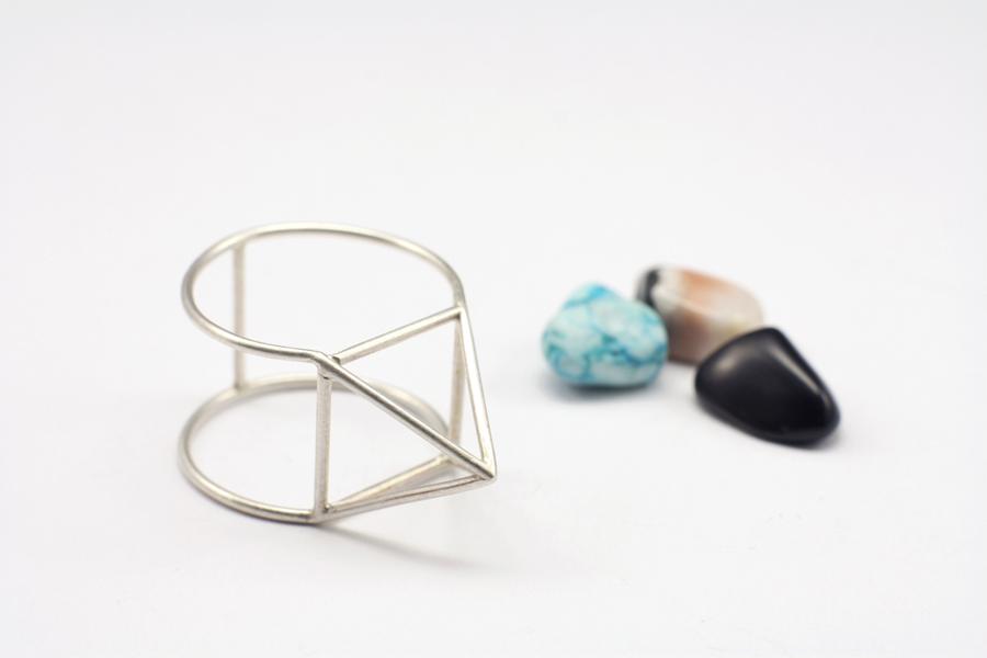 najs-gabion-silver-stone-ring-tereza-severynova-06